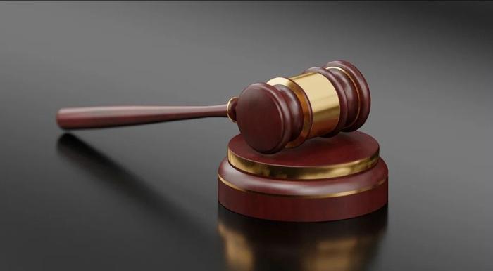 Mentir en un juicio penal